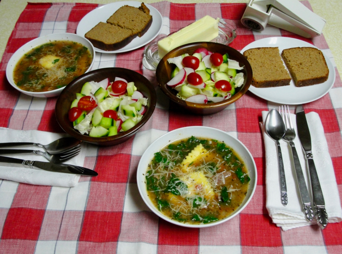 Spinach, Beef and RavioliSoup